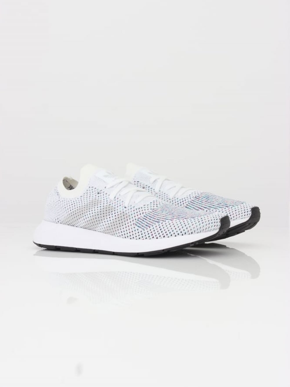 adidas originali swift run pk in bianco del thread